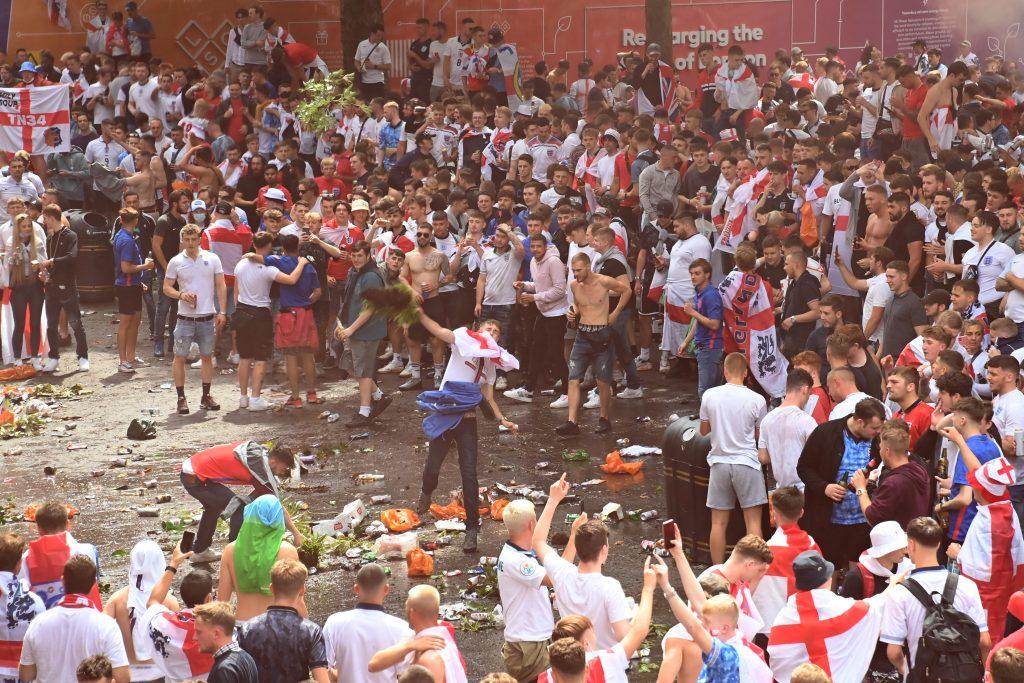 hooligans final Eurocopa